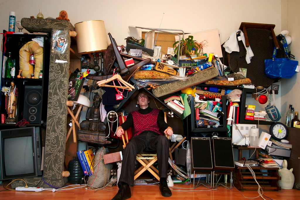 finding your seld under the clutter